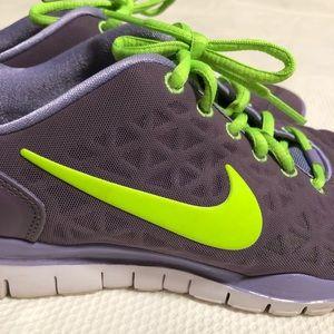 Nike Free size 8.5 / 40 shoes purple/green